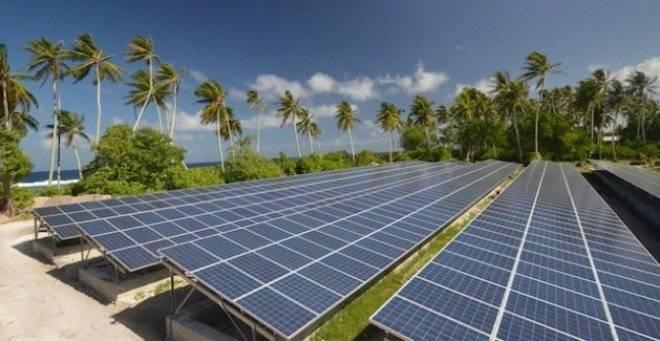 solarenergyinstallationnukunonuislandtokelauoct20121629x325.jpg