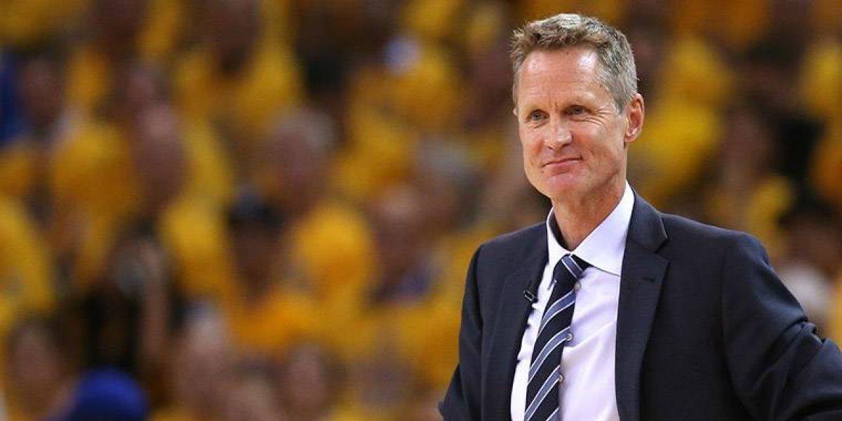 """Kerr cree que críticas son culpa del """"mundo enfermo"""""""