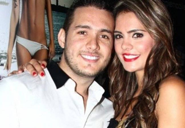 """Vaneza Peláez y su excéntrica vida junto a su esposo, integrante de """"La Oficina"""""""