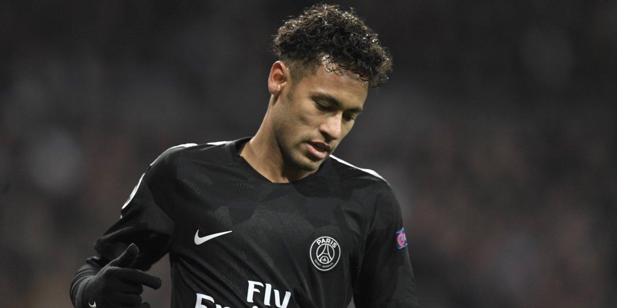 Padre de Neymar sale en defensa de su hijo