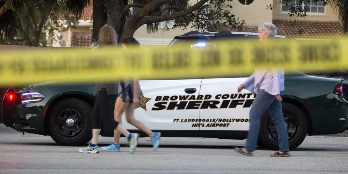 """""""Ouvíamos os tiros cada vez mais perto"""": aluna brasileira relata terror em escola na Flórida"""