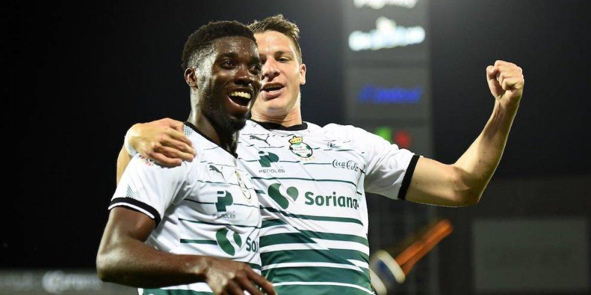 Santos aplasta al León con un Tavares en plan grande