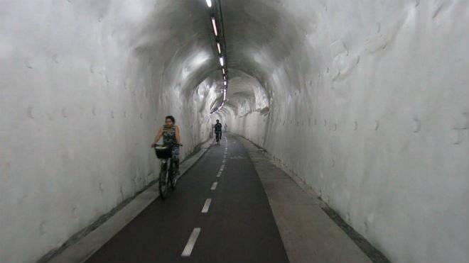 6morlanstunnel660x550.jpg