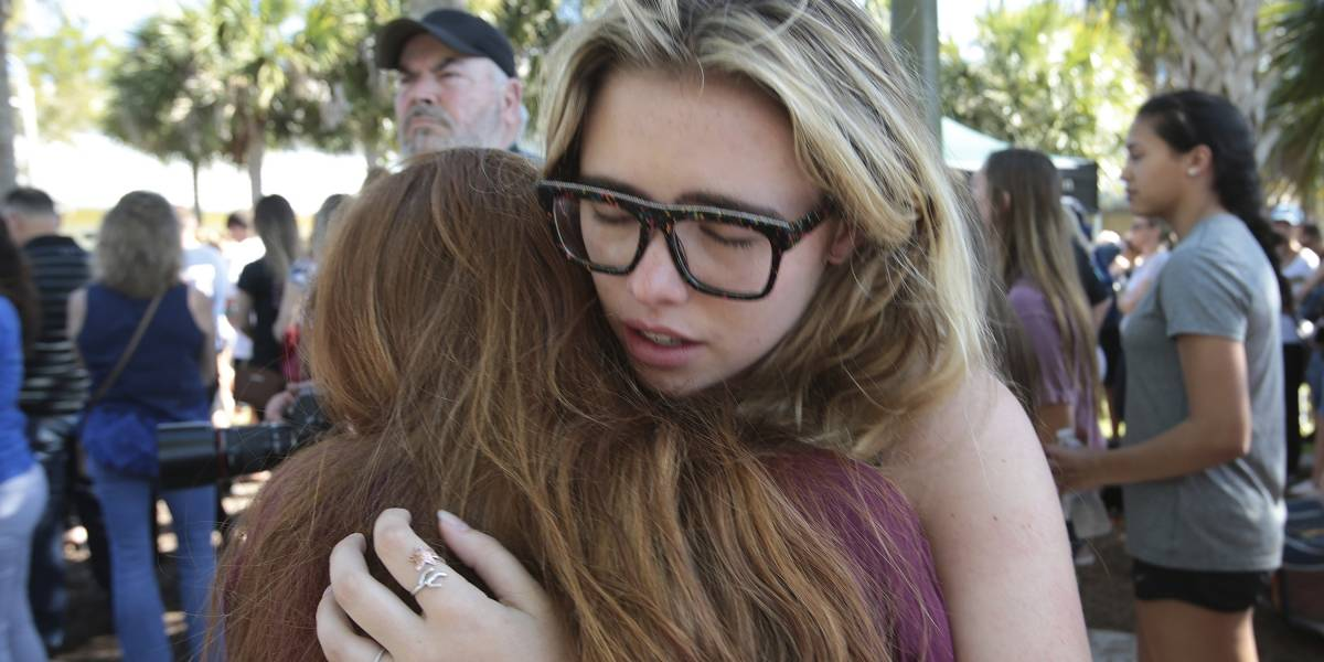 Estudiantes rechazan condolencias de Trump por tiroteo en Florida