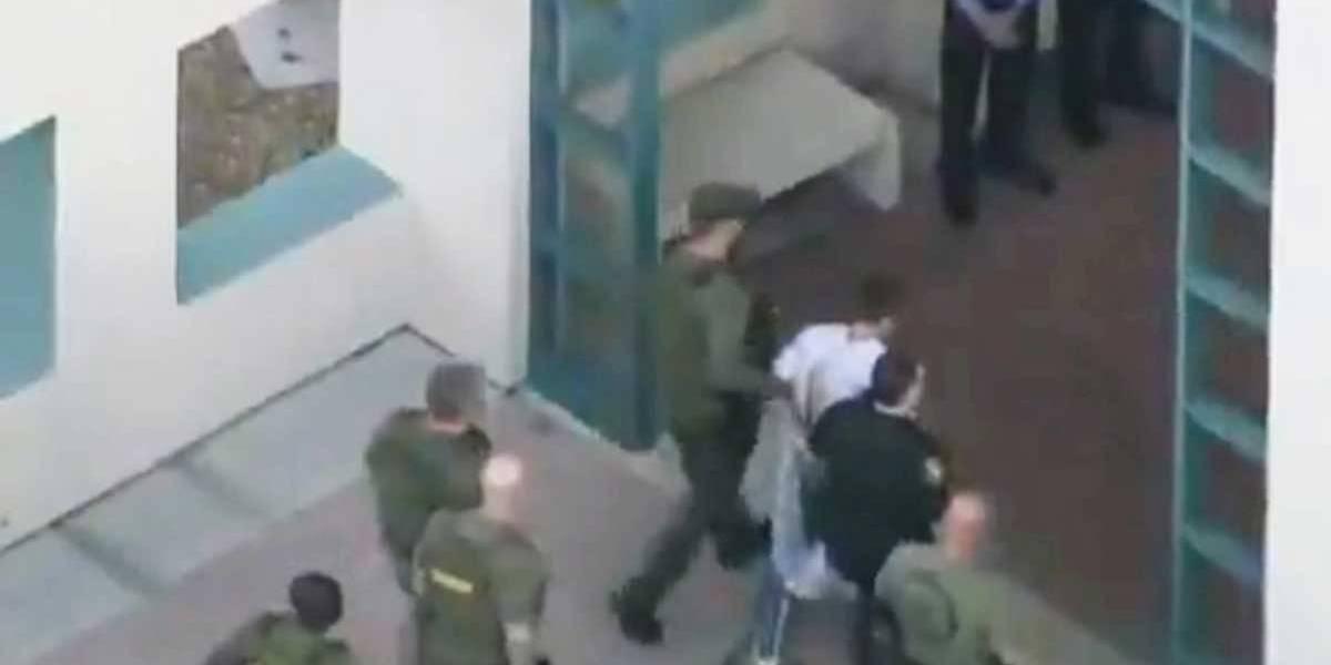 """Atirador da Flórida era """"louco por armas"""", dizem ex-colegas e polícia"""