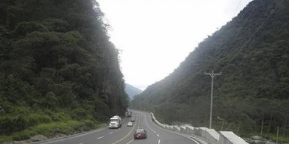 Cierre parcial de la vía Alóag - Santo Domingo por accidente de tránsito