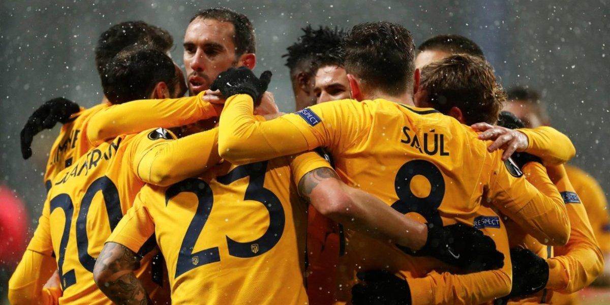 Godín volvió 11 días después de romperse los dientes para celebrar una goleada del Atlético de Madrid