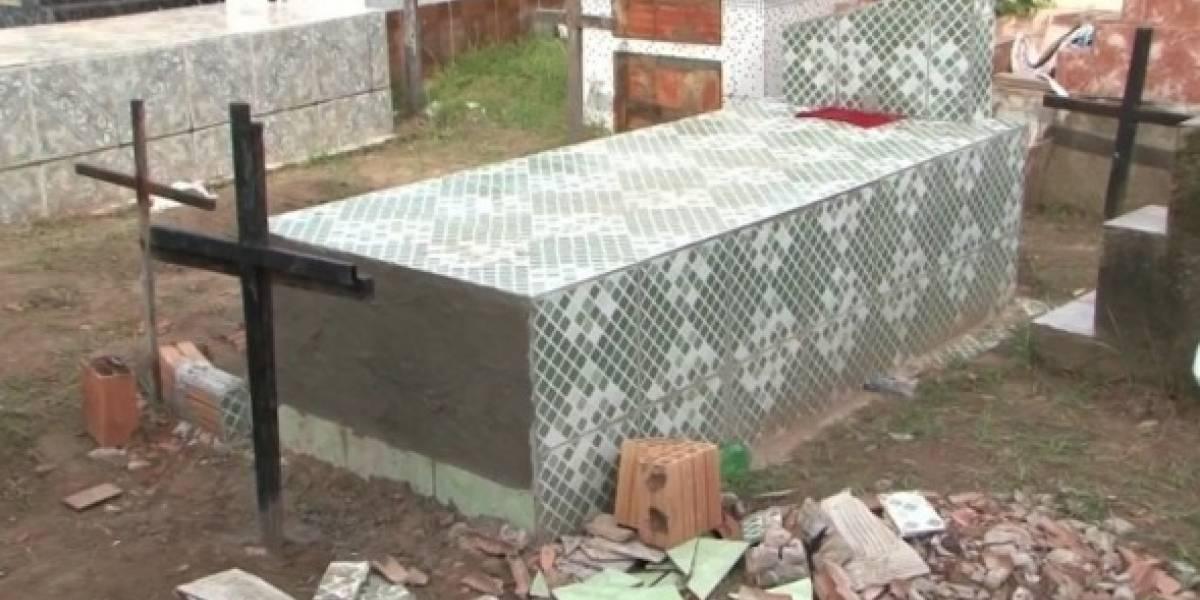 Mulher teria sido enterrada viva na Bahia; corpo estava revirado no caixão