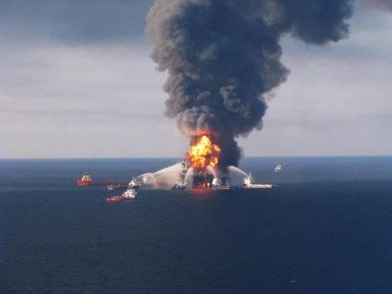 deepwaterhorizonoilrigexplosion550x412.jpg