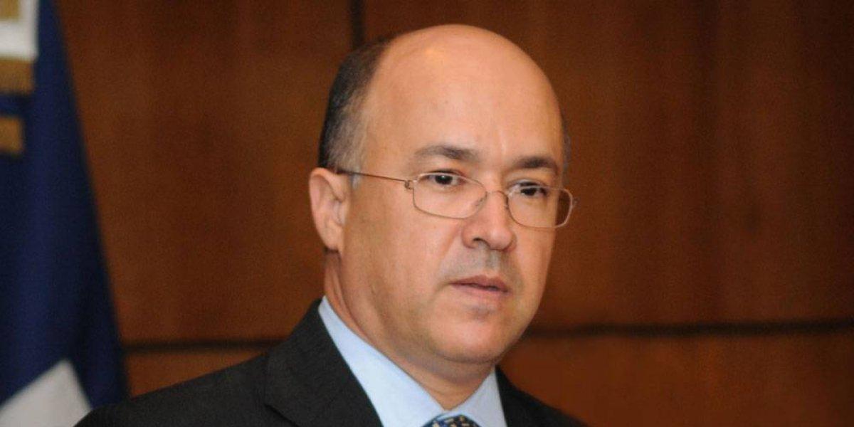 Domínguez Brito dice hubo reunión de aspirantes del PLD con Medina