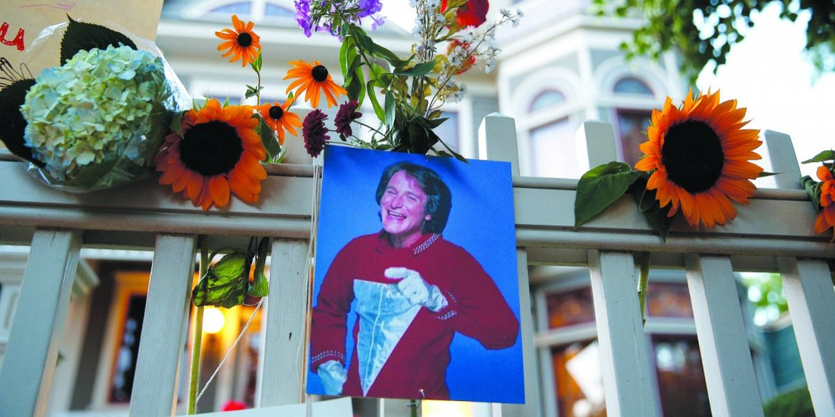Investigadores revelan que Robin Williams detonó 10% los suicidios