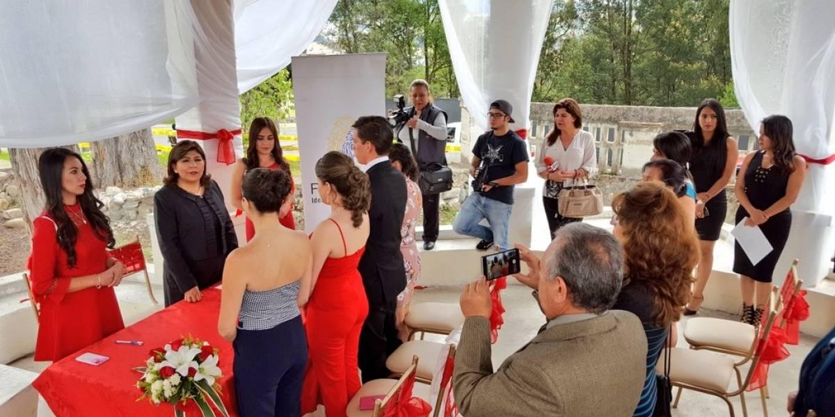 Varias parejas se casaron ayer en Cuenca