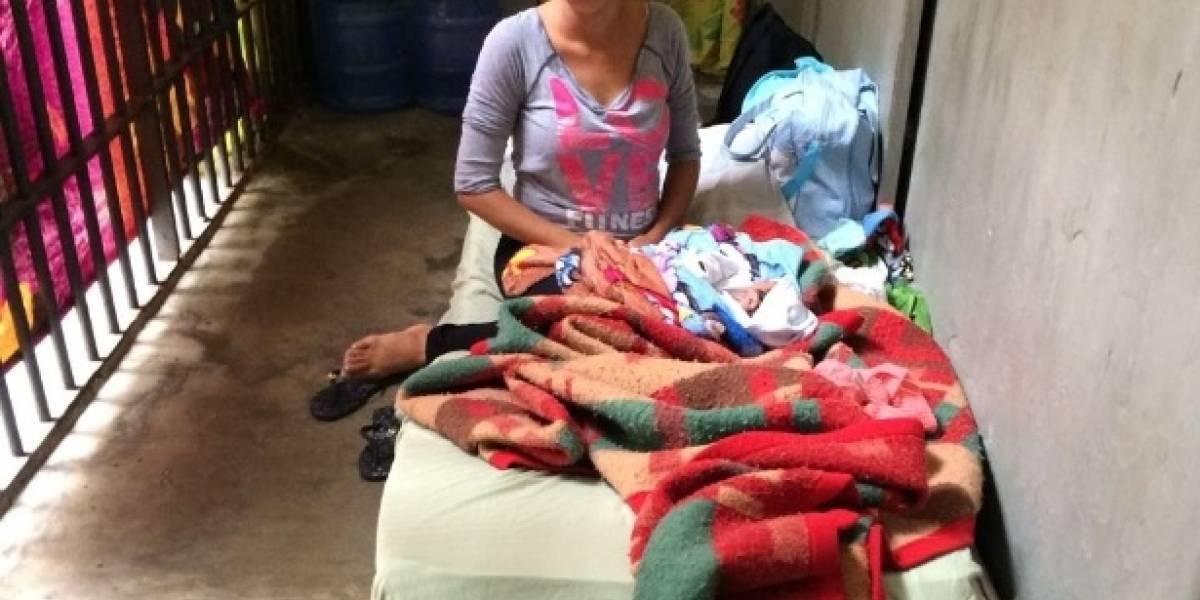 Bebê recém-nascido fica três dias em cela com a mãe, presa por tráfico