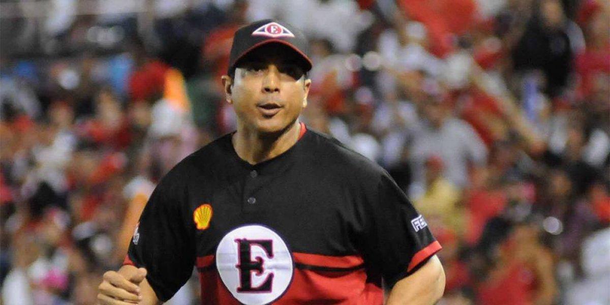 Luis Rojas se mantiene como dirigente