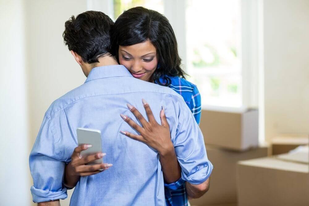 5 formas de descubrir a una infiel EFE