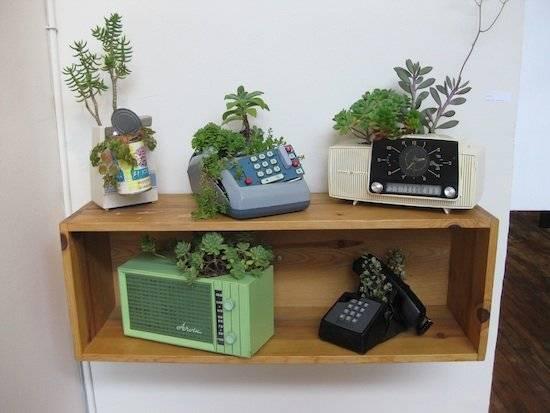 oldphonescontainergardens.jpg