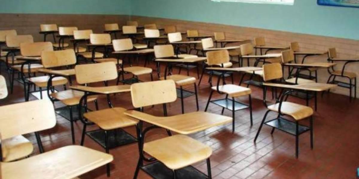Maestros inician paro por 48 horas en escuelas de la capital