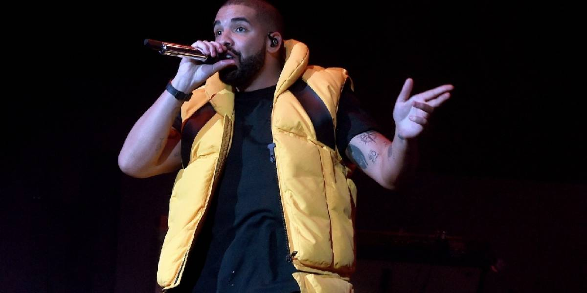 Duas faixas levam novo EP de Drake ao topo das paradas musicais