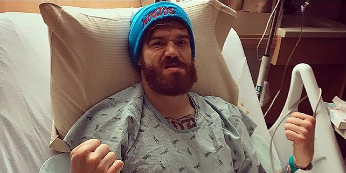 Le rompen un testículo a peleador tras recibir un rodillazo — UFC