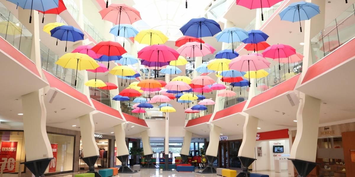 """Acrópolis tiene su """"Paseo de los paraguas"""""""