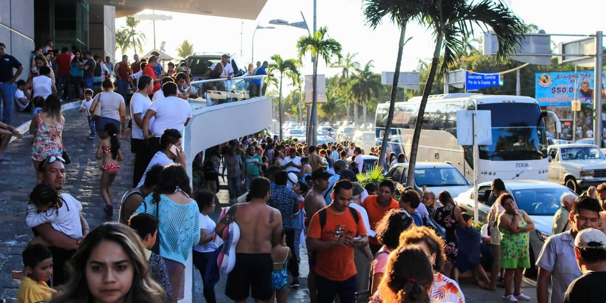Fuerte terremoto causa pánico en México sin reportes iniciales de víctimas