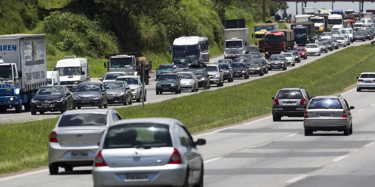 2 milhões de veículos devem deixar São Paulo no feriado