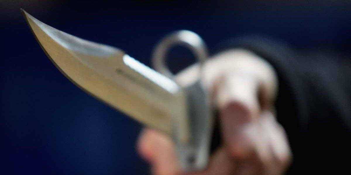 Punta Arenas: apuñaló a su amigo tras pillarlo en la cama con su pareja