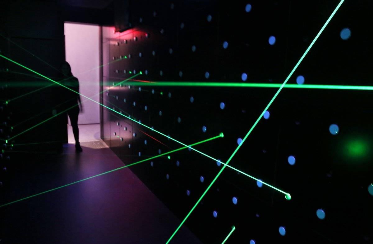 Al estilo de 007: una de las pruebas incluye atravesar un recinto sin tocar los rayos láser que lo cruzan