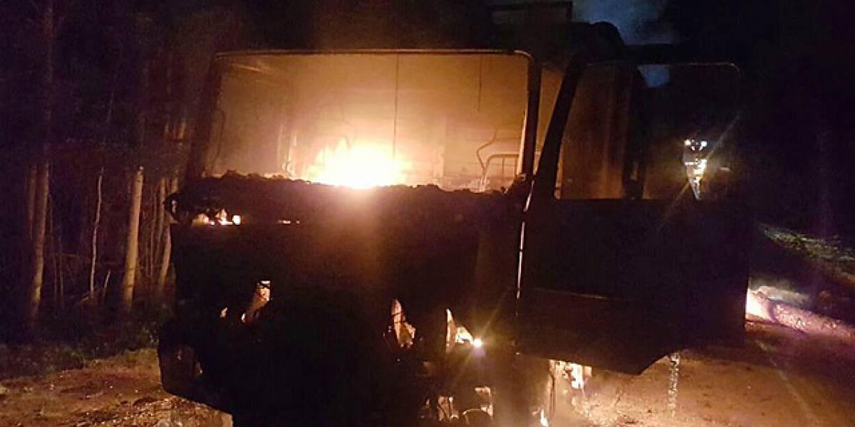 Tres ataques incendiarios destruyeron cerca de 20 camiones en Biobío y La Araucanía