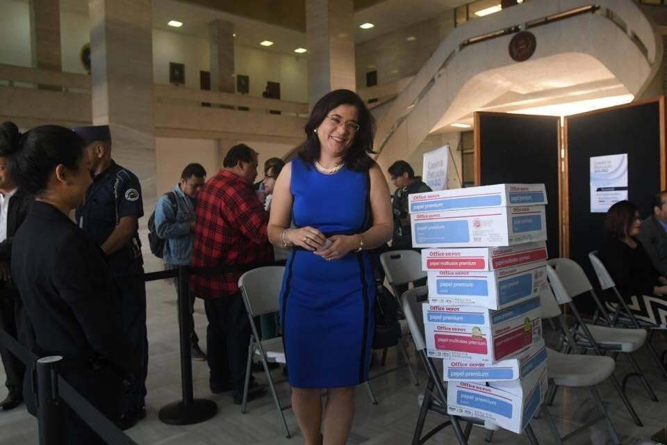 Exmagistrada Claudia Escobar se postula para fiscal