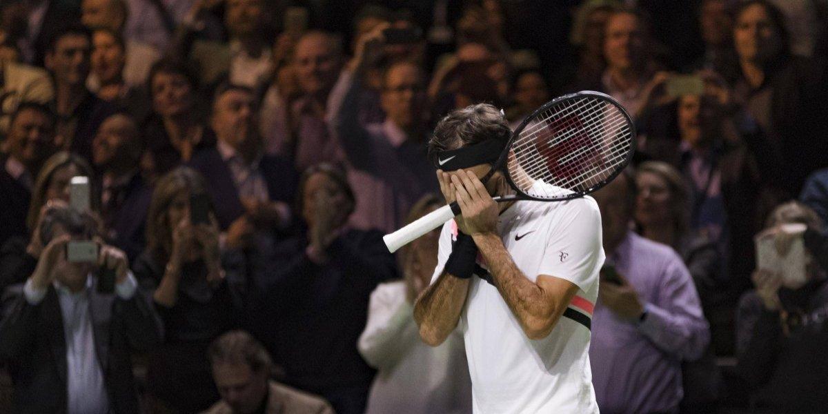 Videos, aplausos y homenajes: Federer se emocionó hasta las lágrimas tras recuperar su cetro