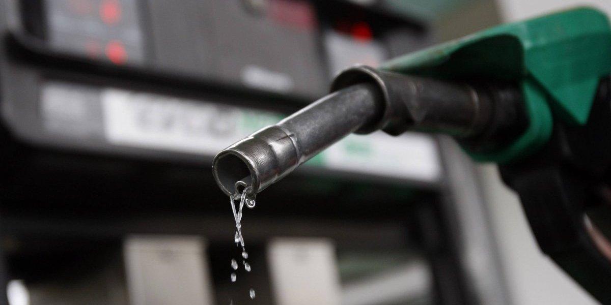 Anuncian rebajas entre 4 y 8 pesos los precios de combustibles, excepto el GLP