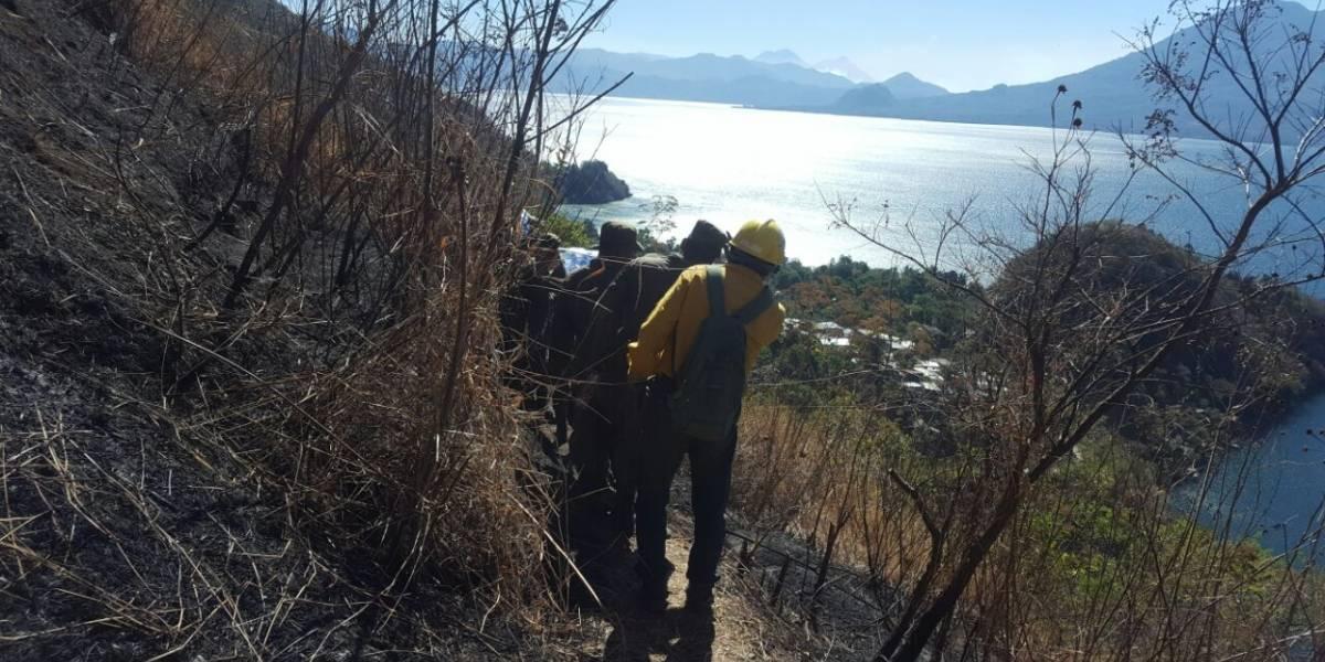 Los incendios forestales afectan la cuenca del lago Atitlán