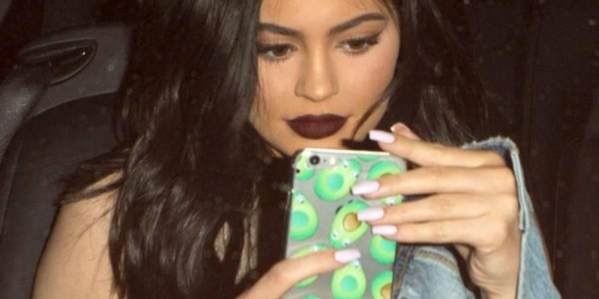 """Llaman a Kylie Jenner """"mala madre"""" por publicación en Instagram"""