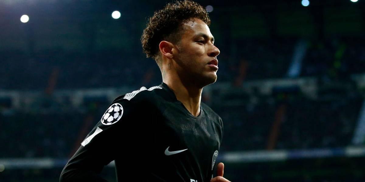 Paris Saint-Germain anuncia fissura no pé e Neymar será desfalque contra o Real