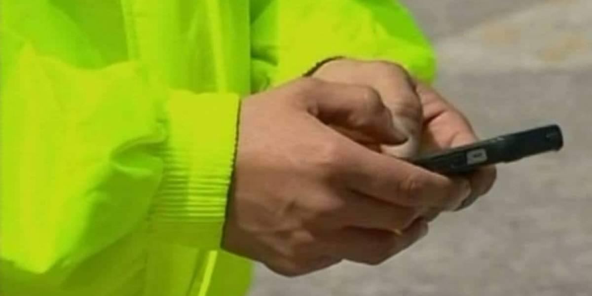 Patrullera denuncia acoso de su jefe mostrando sus comprometedores chats