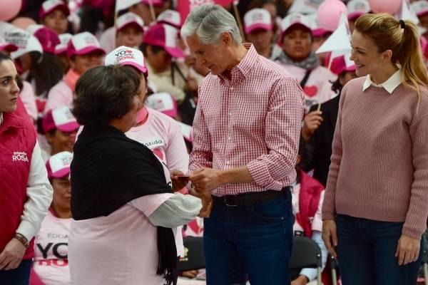 El gobernador del Estado de México, Alfredo del Mazo Maza, estuvo acompañado por su esposa Fernanda Castillo de Del Mazo.