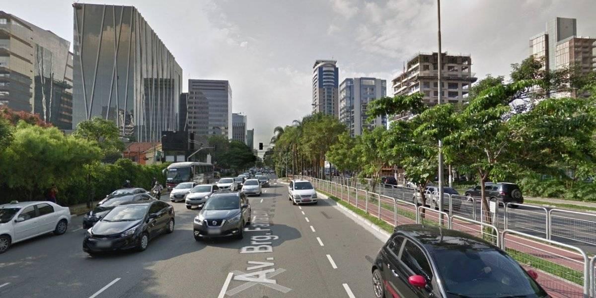 Criminosos usam patinete elétrico para roubar pedestres na Faria Lima