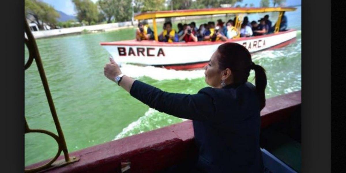 """Perito confirma que sustancia que supuestamente sanearía el lago de Amatitlán """"tenía sal"""""""