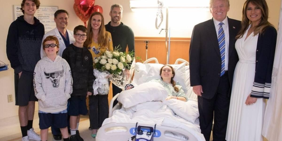 Trump visita a víctimas del tiroteo en Parkland, Florida