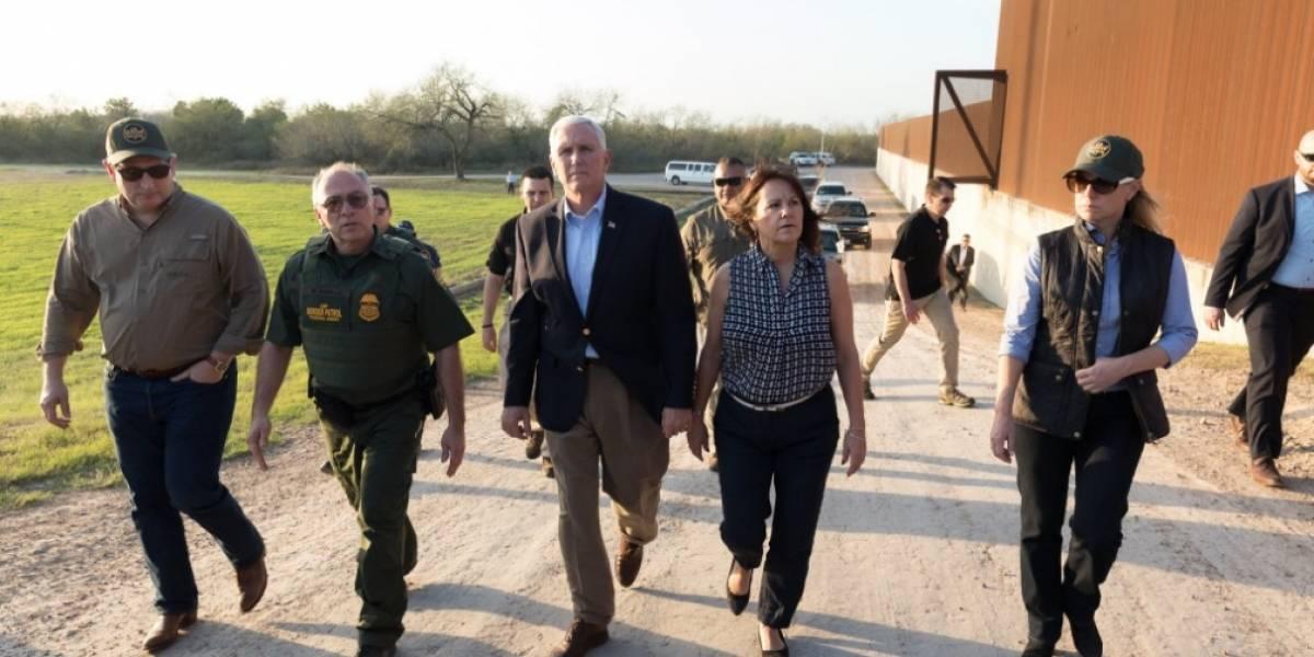 Vicepresidente Mike Pence recorre tramo de la frontera México- EU