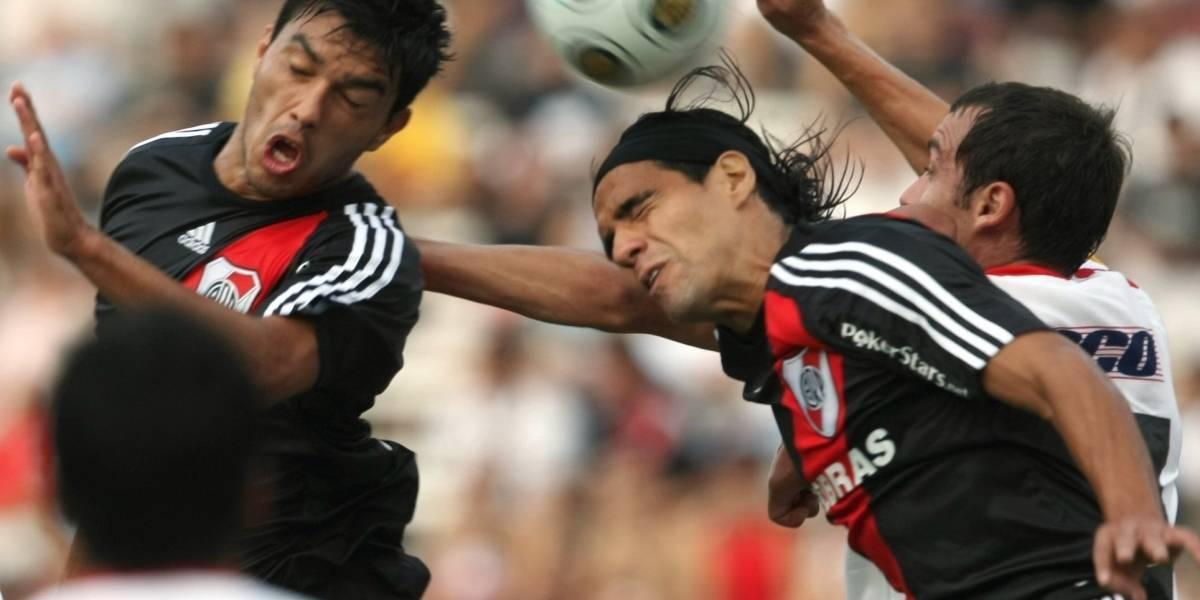 Futbolista abandona las canchas para donar médula a su hermano