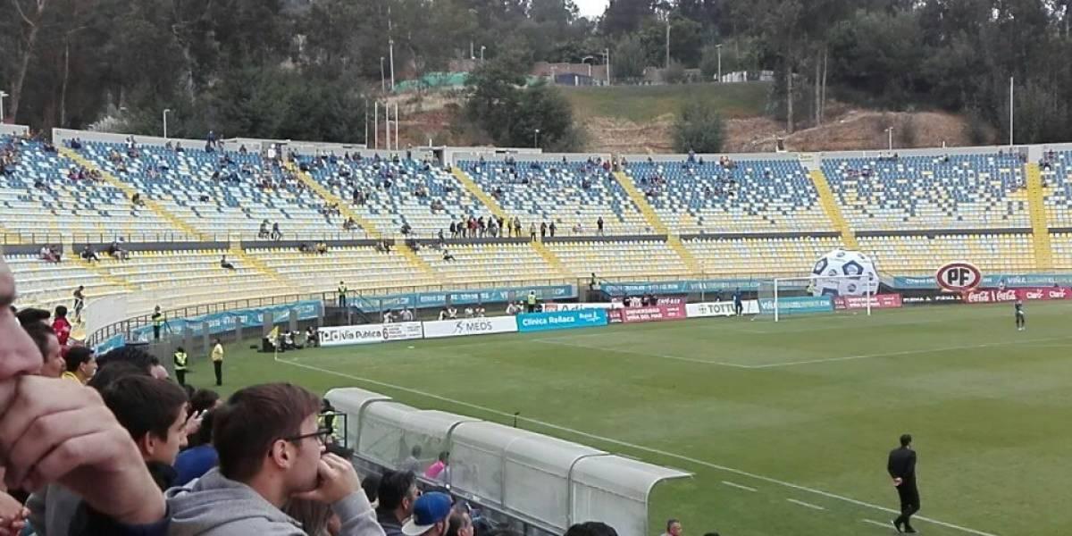 Cerro vacío: Barra de Everton cumple su amenaza por los altos precios y no fue al partido con la UC