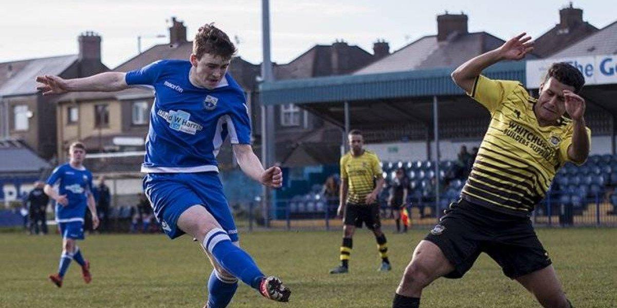Temblor detiene partido de futbol en Gales