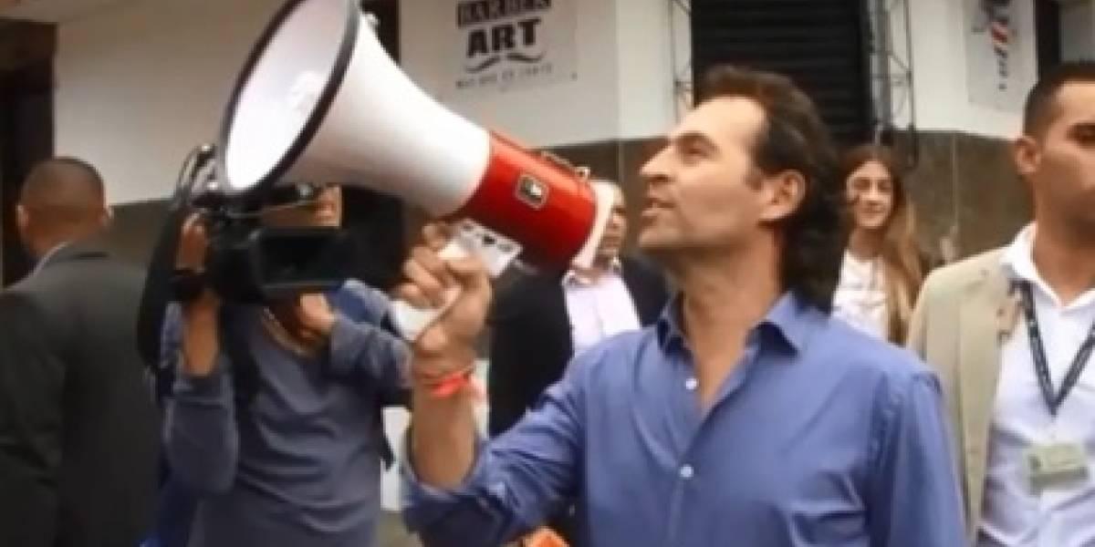 Video del alcalde de Medellín en el que aparece vendiendo dulces
