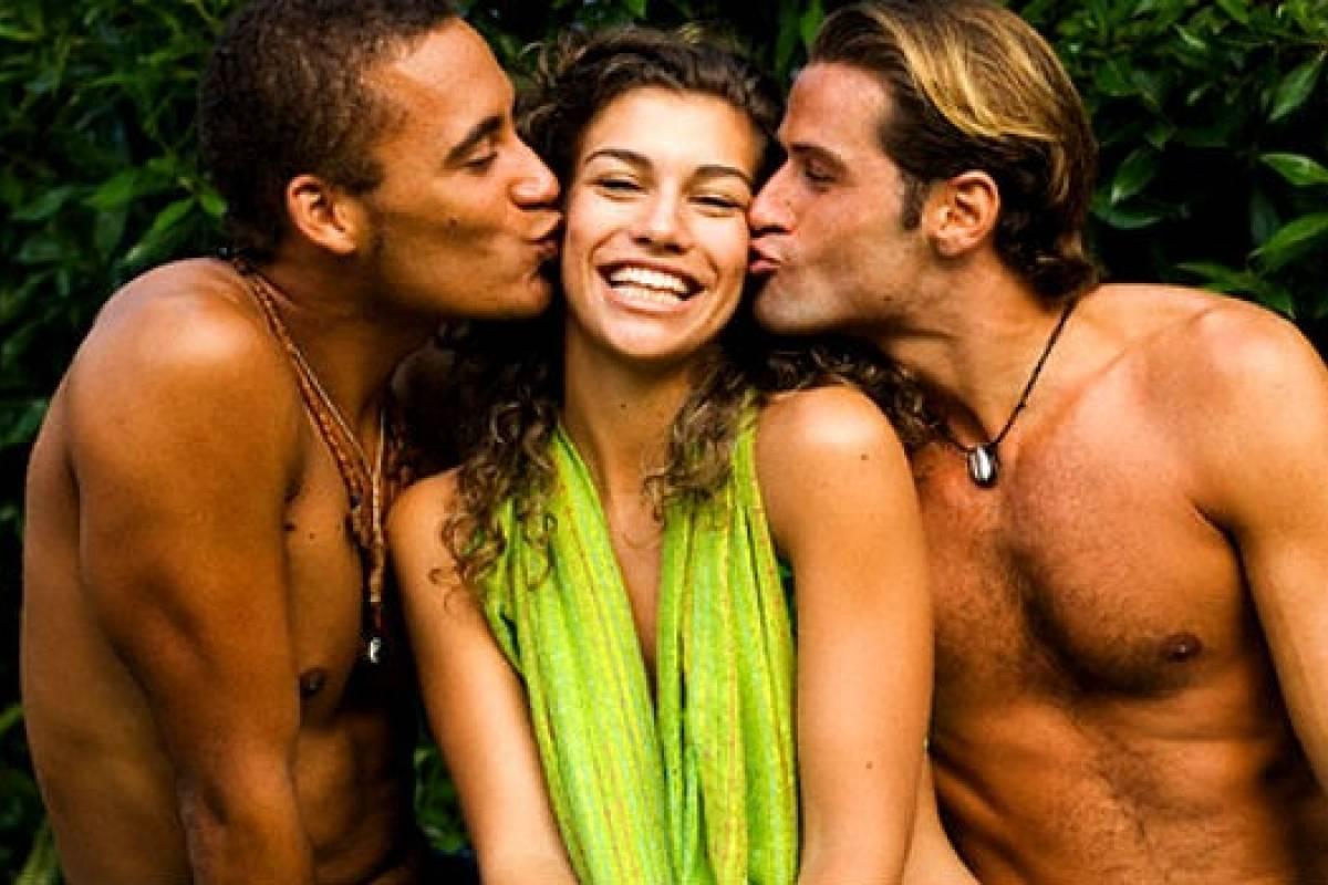 Трио два мужика, гиг порно втроем видео смотреть HD порно бесплатно 20 фотография
