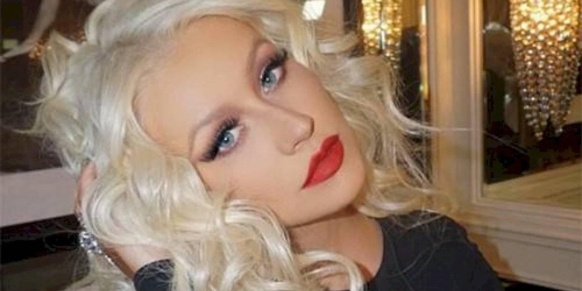 Christina Aguilera se ve increíble con un traje de baño Gucci valorado en 500 dólares