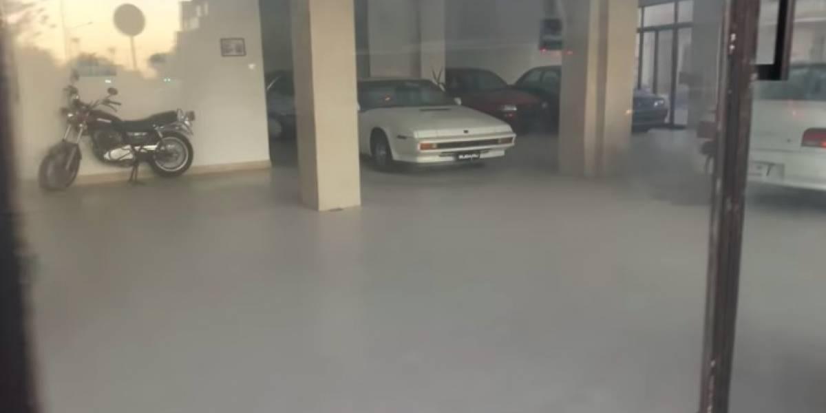 Concessionária abandonada preserva relíquias da Subaru
