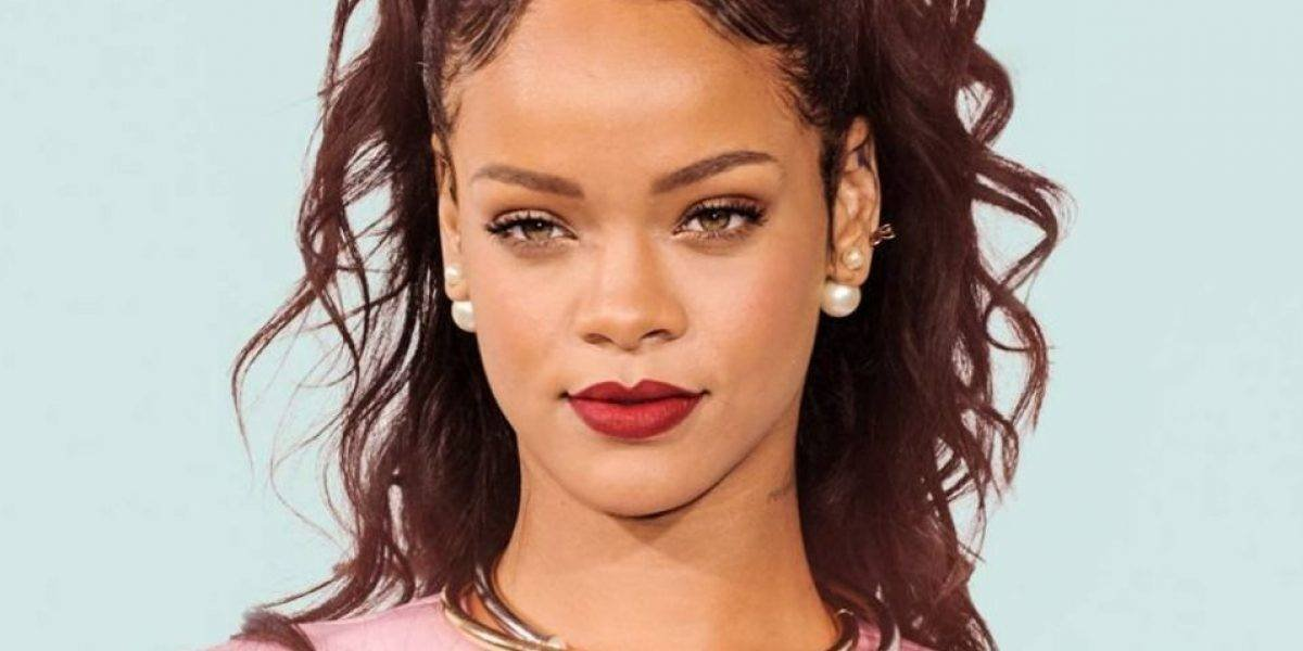 Confunde dueña de bar a clienta con Rihanna