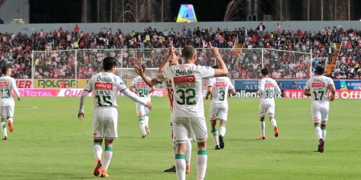 Víctor Dávila convirtió hermoso gol en la victoria de Necaxa ante Monterrey